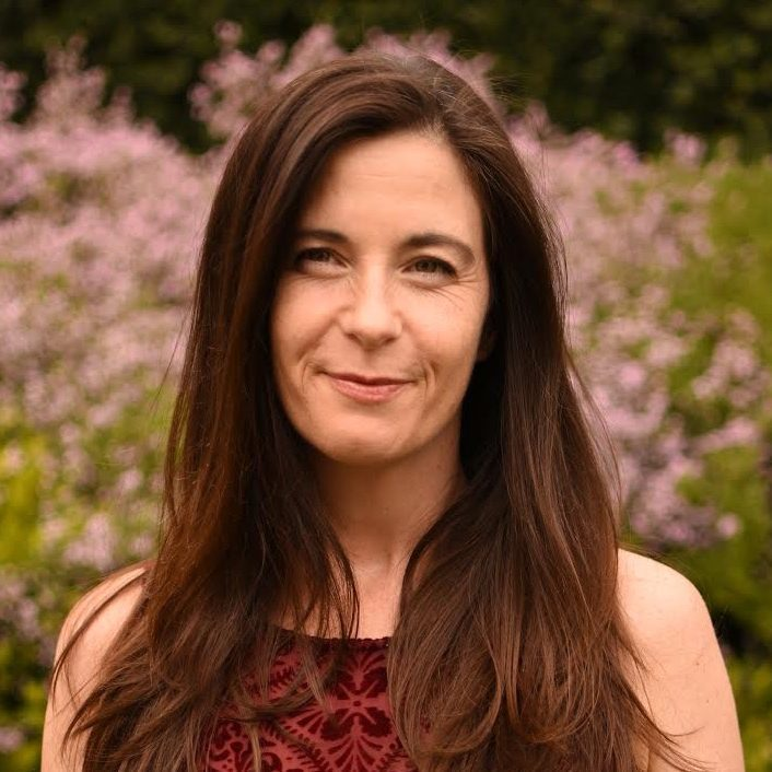 Lisa Page is an international teacher of ocean fire 4-Week Virtual Women's Immersion.